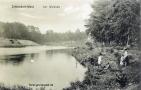 19xx-waldsee-mit-frau-und-kinder-klein