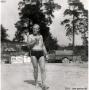 1953-papa-beim-eisessen-am-strand