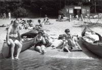 1969-zwei-kanadierfamilien-kuhhorn-klein