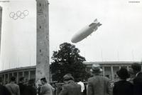 1936-08-01-lz129-hindenburg-olympiastadion-klein