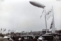 1936-08-01-lz129-hindenburg-olympischer-pl-klein
