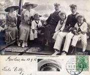 1912-09-13-kaiserfamilie-staatsyacht-hohenzollern-klein