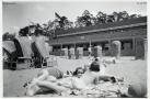 1932-06-03-maedchen-am-wannseebadstrand-klein