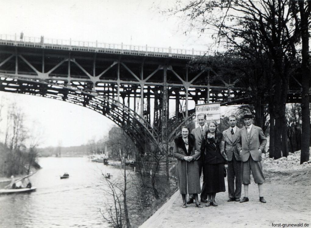 1935 ca Familie vor Stößenseebrücke Agfa Lupex klein